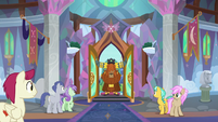 Prince Rutherford arrives at the school S8E1