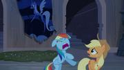 Rainbow Dash e Applejack ''Corre'' T4E03