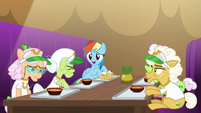 Rainbow Dash suggests going to bed S8E5