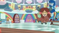 Rainbow keeps Yona from breaking stuff S9E7