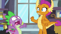Spike loudly -Twilight's kicking me out- S8E11