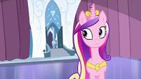 Cadance looks at the door S6E2
