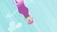 Cherry Berry plummeting in a hot air balloon S2E08