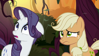 Fake AJ and Rarity look nervous at Chrysalis S8E13
