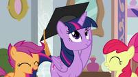 Graduation cap lands on Twilight's head S8E12