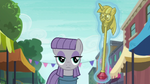 Maud Pie looking at Twilicane S6E3