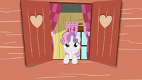 Sweetie Belle watches Gabby from the clubhouse S6E19