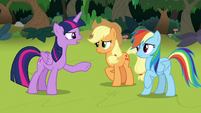 Twilight -the Teacher of the Month wouldn't care- S8E9