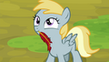 Filly with a broken pen in her mouth S4E22.png