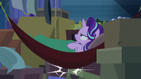 Starlight bumps against box again S8E19