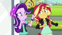 "Sunset Shimmer explaining ""hands"" EGS3"