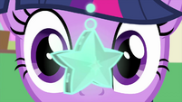 Twilight stares at the swinging star MLPS4