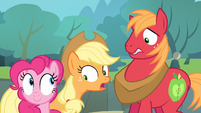 Applejack notices Pinkie S4E09