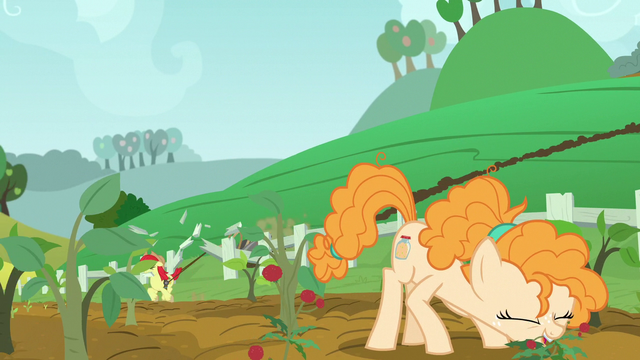 File:Bright Mac crashes through Pear family fence S7E13.png