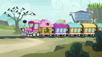 Friendship Express arrives at Ghastly Gorge station S7E4
