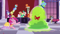 Pinkie Pie and the Smooze dancing S5E7.png