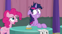 Pinkie Pie returns to the table S9E16
