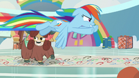 Rainbow zooms past Yona left to right S9E7
