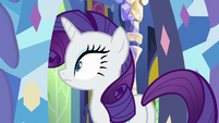 Rarity stops in her tracks S9E19