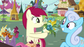 Rose giving flowers to Shoeshine S7E19.png
