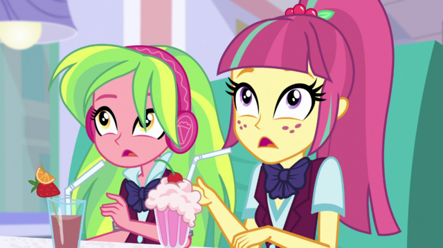 File:Sour Sweet surprised to see Rarity EGS1.png