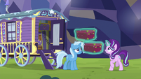 Starlight levitating her luggage S8E19