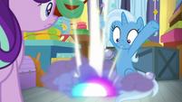 Trixie's smoke bombs hit the floor S9E20