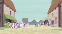 A punto de encerrar a Twilight y a sus amigas otra vez EMC-P2