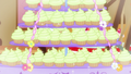 Cupcakes glitter S5E19.png