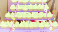 Cupcakes glitter S5E19