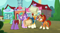 Firelight and Stellar Flare with large scrolls S8E8