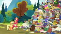 """Goldie """"your dad and his buddy Burnt Oak"""" S7E13"""
