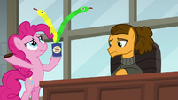 Pinkie releases spring-snakes from the can S9E14