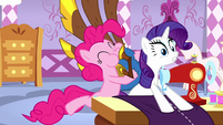 Pinkie startles Rarity with her yovidaphone S8E18