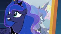 Princess Luna looking behind herself S7E10