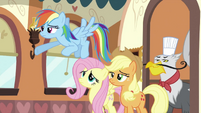 Rainbow Dash, Fluttershy, Applejack and griffon S2E24