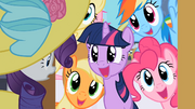 Rarity's friends meet her in Canterlot S2E9