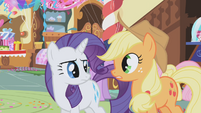 Rarity talking with Applejack S1E05