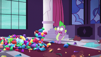 Spike shocked at the statue's destruction S5E10
