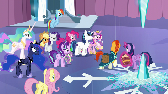 File:Sunburst looks at the other ponies S6E2.png