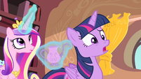 Twilight 'A crystal cruet' S4E11