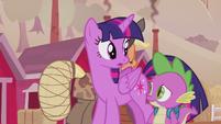 Twilight and Spike listening to Applejack S5E25