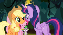 Twilight faces Applejack S4E02