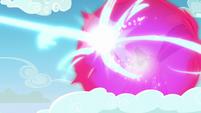 Twilight forms bubble shield defense against Starlight S5E26