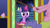 Twilight notices Pinkie Pie and Sludge S8E24