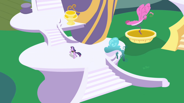 Файл:Twilight running up to her tower home S1E01.png