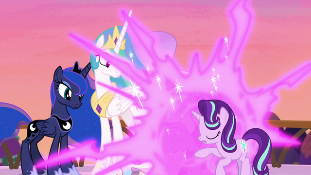File:Twilight teleports between Celestia and Starlight S7E10.png