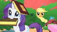 Applejack asking for Rarity's help S1E08