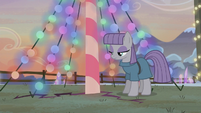 Ground beneath Maud begins to crack S5E20