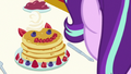 Pancake breakfast in front of Starlight Glimmer S7E10.png